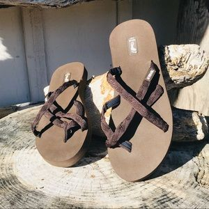 Teva Brown Sandals Size 7 Yoga Flip Flops